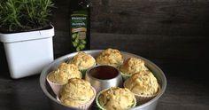 """Schafskäse-Zucchini-Muffins Unser ältestes Schlüpfküken wollte unbedingt eine """"vegetarische"""" Woche einladen. Natürlich sollten wir alle ..."""