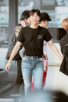 He looks kinda like his mom Winwin, Taeyong, Jaehyun, Nct 127 Johnny, Yuta, Kpop Boy, Nct Dream, K Idols, Draw
