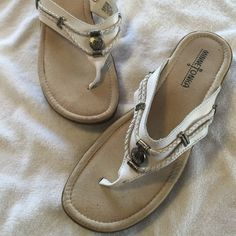 Minnetonka Leather Sandals This pair of Minnetonka Leather sandals are in excellent condition and are a size 9. Very little signs of wear. Very comfortable Minnetonka Shoes Sandals