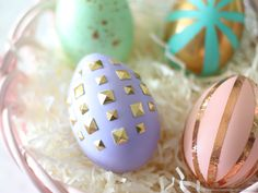 Simple, creative, and budget-friendly, Easter entertaining ideas that are sure to WOW your guests but won't stress you out! Fruit Plus, Puppy Food, Egg Decorating, Eggs, Easter, Entertaining, Creative, Painting, Spring