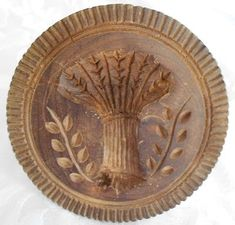 butter stamp ~ Oh how I would love to have one of these for my French Provencal Kitchen. Springerle Cookies, Vintage Kitchenware, Vintage Tins, Butter Molds, Churning Butter, Vintage Cookies, Wood Carving, Chip Carving, Old Things