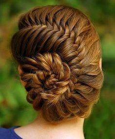 fonott frizurák - virágmintás hajfonat