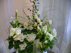 Arrangement funéraire, blanc pureté, fleurs, Le jardin d'Andrée-Anne www.lejardin.ca