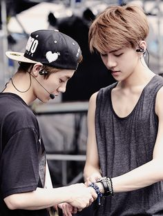 Hunhan, what is my poor sehun gonna do without his poor luhan?! Why does he have to leave!