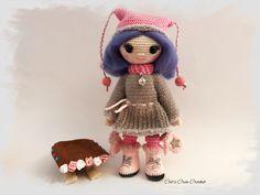 Leila et sa luge, poupée au crochet, modèle Croc's Betty