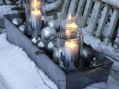 Blumenkasten weihnachtlich gestalten mit Kerzen http://www.fuersie.de/wohnen/deko-ideen/galerie/kerzenzauber/page/4#content-top