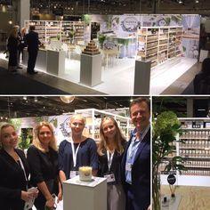 Nu har vi öppnat på fackmässan FORMEX i Stockholm och Amanda, Kamilla, Ellen, Danielle, Simon och Lisa längtar efter att få visa upp nya dofter och produkter! Välkomna till A26:28!