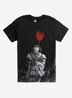 IT Pennywise Balloon T-Shirt Hot Topic Exclusive Halloween Shirt, Halloween Diy, Red Balloon, Balloons, Horror Movie T Shirts, Gothic Shirts, Disney Kingdom Hearts, Pennywise The Dancing Clown, Gothic Outfits
