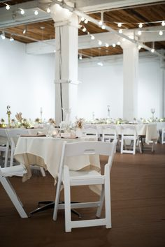 Art gallery wedding reception | Liane V Bergen Photography | see more on: http://burnettsboards.com/2014/12/minimalist-nye-wedding/