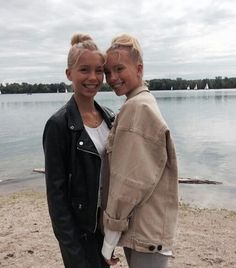 Likes, Comments - Lisa and Lena Lisa And Lena Clothing, Lisa Or Lena, Bff Goals, Soul Sisters, 2 In, Cool Outfits, Germany, Couple Photos, My Style
