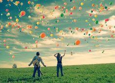 """Contos de fadas e """"para todo sempre"""" são ilusões para você continuar achando que existe final feliz...E por aí que anda a felicidade, no começo, no meio, antes, depois e não só no fim. Felicidade não tem prazo, limite, vencimento, às vezes nem precisa ser eterno, porque o fugaz pode te fazer muito mais feliz ou não.   Porque essas coisas só dependem de você, de mim e de mais ninguém, então que eu seja perfeitamente feliz com as pessoas certas e com as erradas também."""
