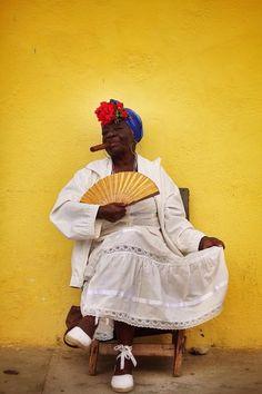 Esperanza and her cigare, Cuba.ohh those Cuban women! We Are The World, People Of The World, Cuba Cigar, Cuban Women, Vintage Cuba, Cuban Art, Havana Cuba, Mellow Yellow, Black Women
