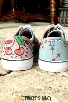 Looking for a way to breathe new life into an old tired pair of shoes? See these whimsical painted shoes by Tracey's Fancy for inspiration! Diy Home Decor On A Budget, Easy Home Decor, Your Shoes, Women's Shoes, Painted Curtains, Painted Canvas Shoes, Dixie Belle Paint, Diy Painting