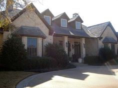 Packed With Amenities - 36238TX thumb - 06