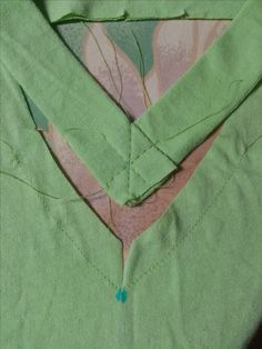 tutorial for sewing a V neck on a tee