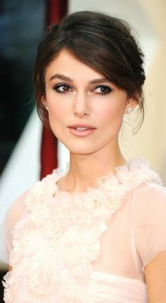 wedding dress, hair and makeup Astuces maquillage facile yeux marrons