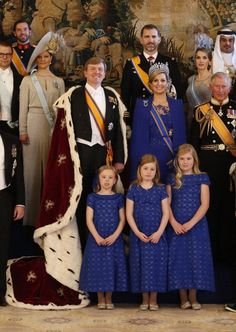 King Willem-Alexander and Queen Máxima with daughters  Princess Amalia, Princess Alexia and Princess Ariane at their Inauguration. April 2013