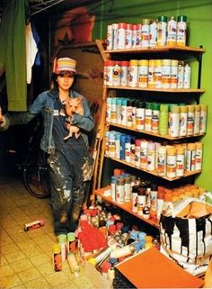 Lady Pink in her basement full of spray paint cans, New York, 1981 Young Movie, Graffiti Characters, Graffiti Artists, Documentary Photographers, Vintage Labels, Great Shots, Decoration, Old School, Documentaries