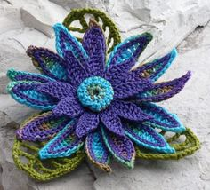 ❧Pretty Flowers, Crochet designs, diagrams, how to's and ideas Crochet Brooch Fiber Brooch Irish Crochet Pin Daisy Peacock Purple Blue Olive Teal Crochet Brooch, Crochet Daisy, Crochet Flower Patterns, Freeform Crochet, Thread Crochet, Love Crochet, Irish Crochet, Crochet Motif, Crochet Designs