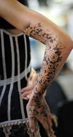 20 tatuaggi bellissimi creati con la tecnica dellimmagine in negativo (FOTO)