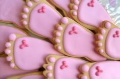 There are some really cute cookies for baby showers here.