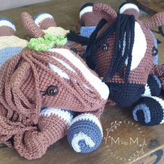 The Melly Teddy Ragdoll Bonnie & Clyde Horse is a fabulous cross between a lovey blanket and a soft toy and perfect to crochet for babies and small children. Make a super cute Melly Teddy Ragdoll Bonnie & Clyde Horse for that special small person in your life. They are fun and easy to make and are soft and snugly, perfect for cuddling and great yarn busters. Crochet Horse, Crochet Dolls, Crochet Baby, Crochet Animals, Free Crochet, French Knot Embroidery, Japanese Embroidery, Flower Embroidery, Embroidered Flowers