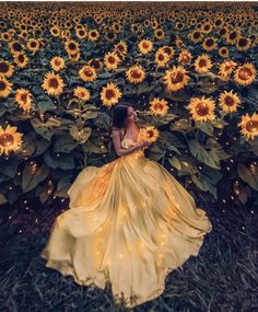Raindrops and Roses: Photo Fantasy Photography, Girl Photography, Creative Photography, Fashion Photography, Sunflower Photography, Book 15 Anos, Fantasy Dress, Mellow Yellow, How Beautiful