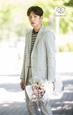 [Drama] Ji Chang Wook is a pro at hugs in Suspicious Partner Ji Chang Wook, Suspicious Partner Kdrama, Korean Drama 2017, Police Detective, Love Me Forever, Kdrama Actors, Korean Actors, Korean Dramas, Best Couple
