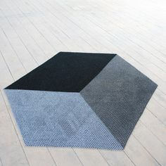 The Yachiyo metal rug by Philippe Malouin http://www.dezeen.com/2011/04/08/the-yachiyo-metal-rug-by-philippe-malouin/