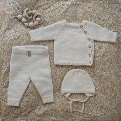Ravelry: le modèle d& Coming Home d& par PetiteKnit - Knitting manualidades meninas Baby Cardigan Knitting Pattern, Baby Knitting Patterns, Free Knitting, Stitch Patterns, Baby Set, Ravelry, Cardigan Bebe, Baby Kimono, Pull Bebe