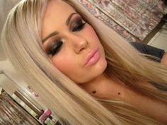 my favorite way to do eye makeup <3 smokey eyes :D