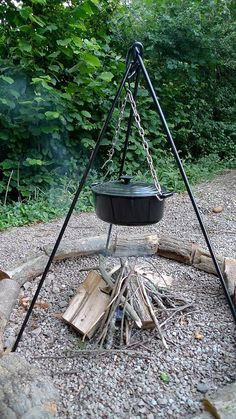 CampFire Cooking Tripod Dutch Oven Pot Great To Take Glamping Camping