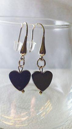 Handmade earrings / Hematite heart earrings / by CharmsAnTreasures