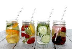 Desintoxica tu cuerpo con estas ricas infusiones de frutas. Solo debes picar la fruta, ponerla en un jarro con agua, revolver y esperar un 30 minutos para que el agua adquiera sabor ¿Cuál te gusta más? ¿Deja un comentario la final del post! Pepino+Limón+Kiwi+Albahaca Solo corta en rodajas: medio pepino, dos kiwis, medio limón y…