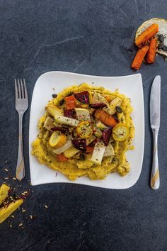Creamy polenta with oven roast veggies is easy and quick to make. In about you get a balanced, nourishing and simply mouth-watering dish! Roasted Veggies In Oven, How To Cook Polenta, Creamy Polenta, Eat Slowly, Diet Apps, Fodmap Diet, Oven Roast, Recipe Today