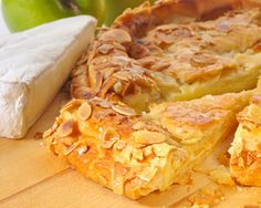 Rustic Apple and Cheese Pie