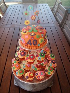 70's Party themed flower cupcakes