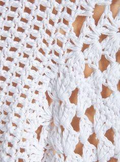 crochet kingdom (E.H): Original White Poncho ! Crochet Video, Hand Crochet, Knit Crochet, Crochet Hats, Crochet Necklace Pattern, White Poncho, Modern Crochet, Crochet Cardigan, Crochet Clothes