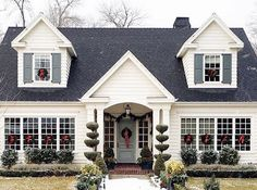 Beautiful southern home decorated for Christmas!