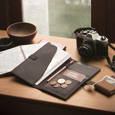 labrador Leather passport case M 護照長夾