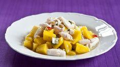 Propadnout vášni pro mango není těžké, třeba díky salátu z manga a kalamár Mango, Sweet Potato, Cantaloupe, Pork, Potatoes, Fruit, Vegetables, Eat, Cooking