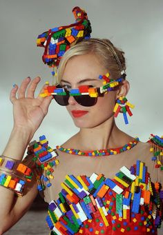 Give the kid back his Lego. Fashion Week, Fashion Art, High Fashion, Fashion Show, Fashion Design, Carnaval Costume, Recycled Dress, Recycled Clothing, Mardi Gras Costumes