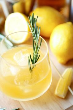 An old fashioned drink with a modern twist you'll love – this whiskey sour comes with freshly grated ginger and a fragrant rosemary sprig for a stir stick! Whiskey Sour, Whiskey Ginger, Whiskey Drinks, Fresh Lemon Juice, Fresh Ginger, Easy Asian Recipes, Ethnic Recipes, Vodka Potato, Vodka Mixes