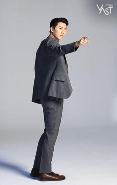 Behind-the-scenes of Hyun Bin's commercial shoot! Hyun Bin, Hyde Jekyll Me, Just Beautiful Men, Beautiful People, Classic Suit, Seo Joon, How To Look Handsome, Handsome Actors, Fine Men