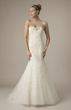 Alita Graham - Sweetheart Mermaid Gown in Alencon Lace