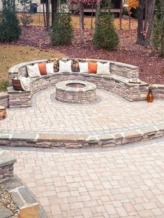 71 Beautiful Backyard Patio Design Ideas - Find the Best Shades for Your Patio Design 33 Outdoor Patio Ideas You Need to Try This Summer Garden Fire Pit, Fire Pit Backyard, Diy Fire Pit, Gas Outdoor Fire Pit, Fire Pit Off Patio, Fire Pit Front Yard, Paver Fire Pit, Desert Backyard, Fire Pit Decor