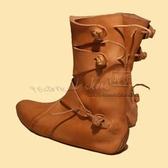 "Supposedly ""Viking boots"". Well, not sure about the vikingness, but they do look interesting :)"