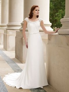 Chiffon Delicately Scooped-shaped Neckline A-line Wedding Dress