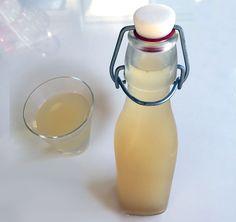 Testa en frukostshot med ingefära, honung och citron! Ingefära tillhör kategorin superfood och är bra för hjärta, hjäna, mage och leder. Prova att kickstarta dagen med denna shot, obs den är stark så du vaknar till ordentligt. Receptet ger ca 1 liter och räcker i ett par veckor (för en person). Receptet kommer från boken