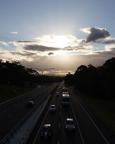 I really miss seeing this view each and every day this used to be my viewpoint on my way home from school! Australia